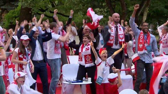Eksplozja radości Beaty Szydło podczas meczu. Premier dopingowała reprezentantów Polski
