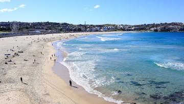 Maseczki z Chin zalały australijskie plaże