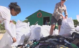 Fale plastiku zalewają egzotyczne wyspy