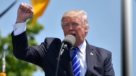 Prezydent Donald Trump zbanowany na Twitchu i Reddicie. O co w tym chodzi?