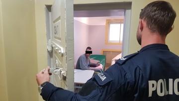 """Oszukiwali metodą """"na policjanta"""". Trafili do aresztu"""