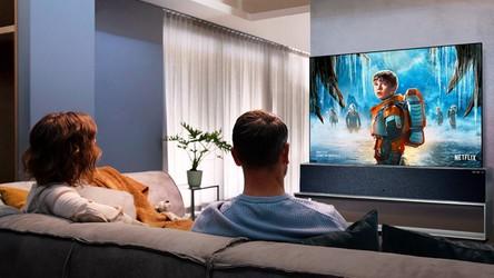 Zwijany OLED TV od LG w końcu trafia do sprzedaży, ale cena zwala z nóg