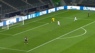 Bramkarz Borussii zabawił się z piłkarzami Realu Madryt. Niesamowity drybling! (WIDEO)