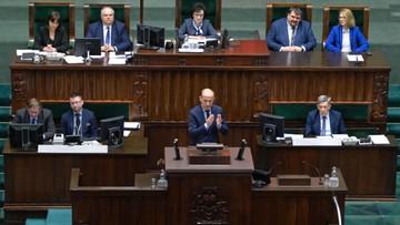 """Sejm o koronawirusie. """"Dlaczego wybieraliście narty zamiast sztabów kryzysowych?"""""""