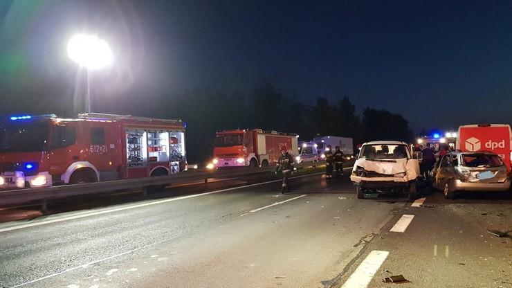 Ranni po wypadku na S1 w Sosnowcu. Zderzyło się sześć pojazdów