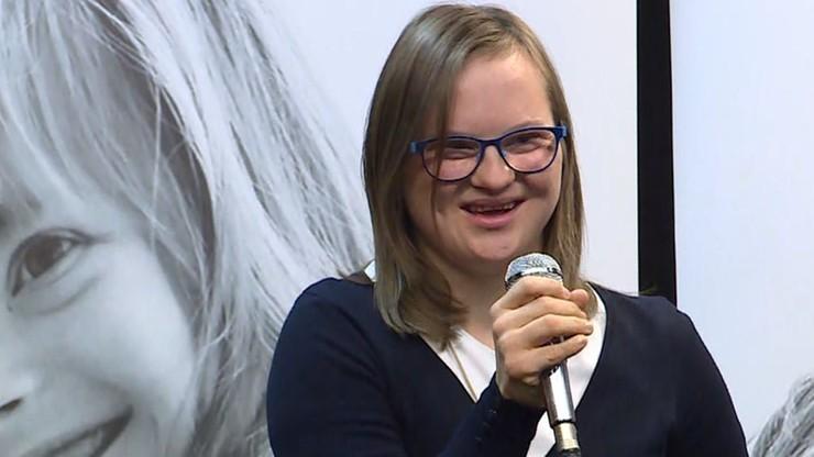"""Emilia z zespołem Downa dostała wymarzony etat. """"Wraca do domu uśmiechnięta"""""""