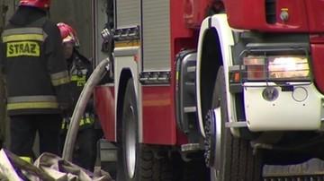 Pożar hali produkcyjnej pod Warszawą. Trzy osoby poszkodowane