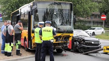 Wypadek miejskiego autobusu Arrivy w Warszawie. Są ranni