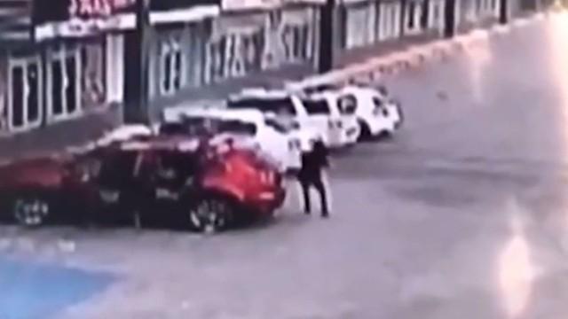 Meksykański POLICJANT, który aresztował syna EL CHAPO, postrzelony 155 razy