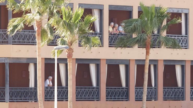 130 osób opuści hotel poddany kwarantannie. W budynku są Polacy