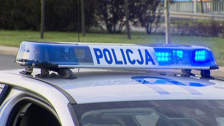 Przyjechali samochodem na policję w poszukiwaniu kolegi. Obaj byli pijani