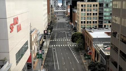 Film z objętego kwarantanną San Francisco. 7-milionowa metropolia jak plan filmowy (film)