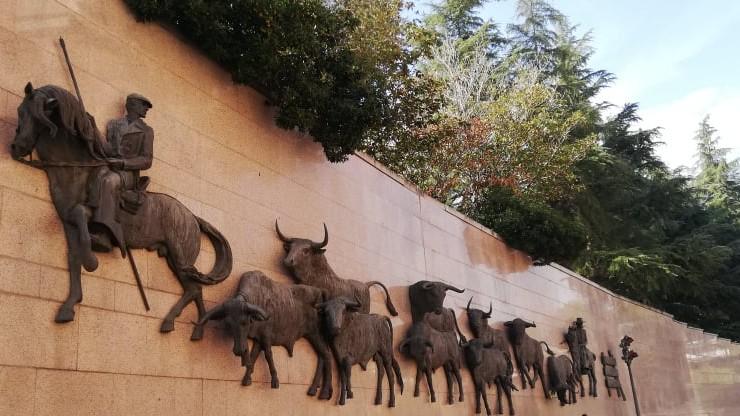 Rząd Hiszpanii wspiera promocję korridy. Obrońcy praw zwierząt protestują