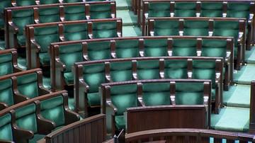 PiS przed Koalicją Obywatelską. Cztery partie w Sejmie i zapowiedź rekordowej frekwencji