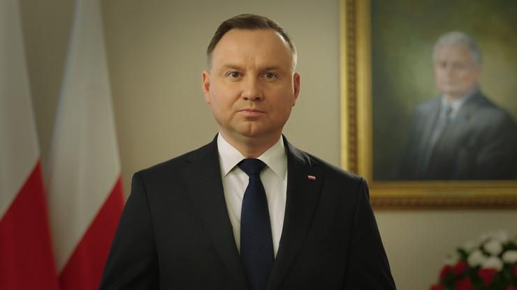 """""""Polska byłaby lepsza, gdyby oni żyli"""". Prezydent wspomina katastrofę smoleńską"""