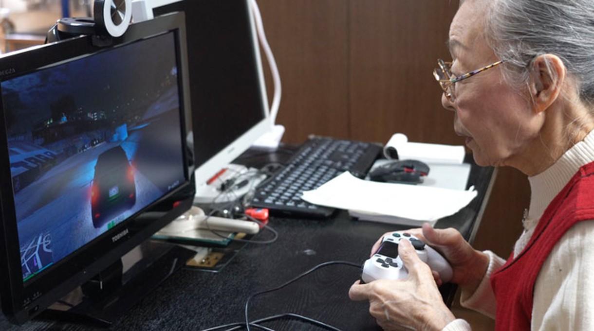 Oto najstarsza gamerka na świecie, ma 90 lat i ciągle streamuje na YouTube [FILM]