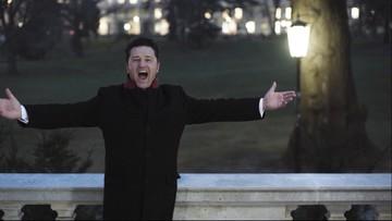 Kocha go publiczność i krytycy. Tenor Piotr Beczała w reportażu Polsat News