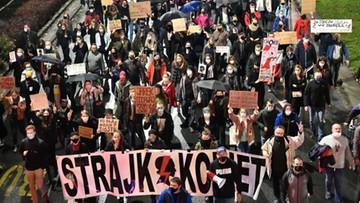 Naukowcy obliczyli, o ile wzrośnie liczba zakażeń po protestach