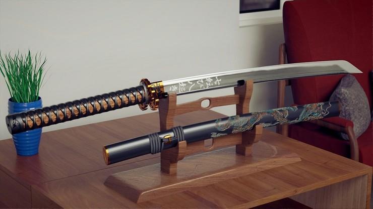 Miał dosyć procesu rozwodowego. Poprosił sędziego o walkę z żoną na miecze samurajskie