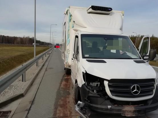 W kierowcę ciężarówki uderzył Mercedes Sprinter