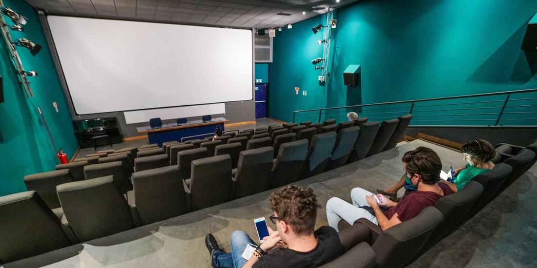Czy filmowe hity mogą być źródłem wiedzy o finansach?
