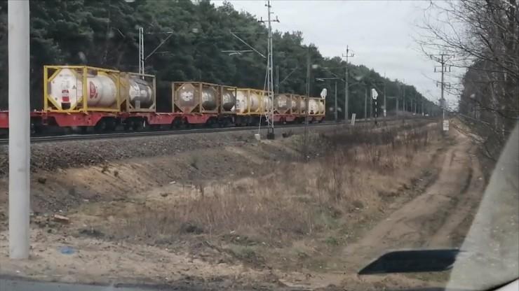 Wielkopolska: pociąg zgubił wagony. Te zablokowały przejazd