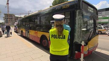 Dwa groźne wypadki autobusów w Warszawie. Przewoźnik zabrał głos