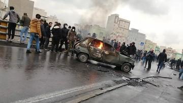 Podwyżka cen benzyny w Iranie. Trwają protesty