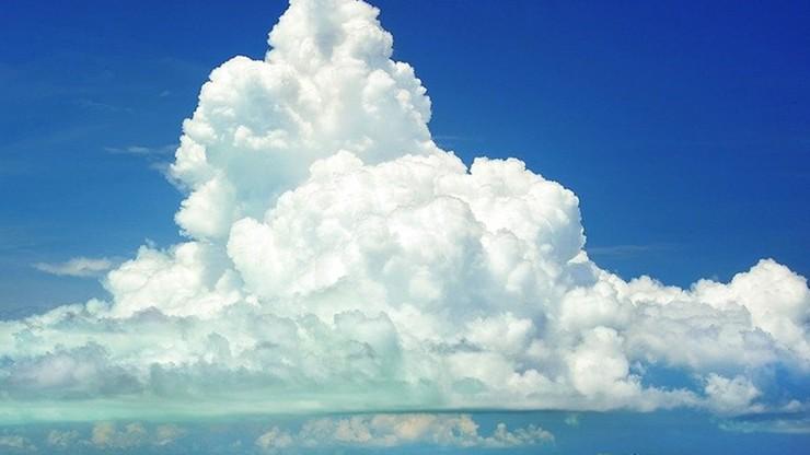 Arabia Saudyjska: rząd zatwierdził program zasiewania chmur, który ma zwiększyć opady