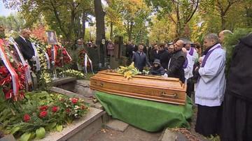 """Pogrzeb Jana Kobuszewskiego. """"Nieczęsto śmierć artysty wywołuje tak powszechny smutek"""""""