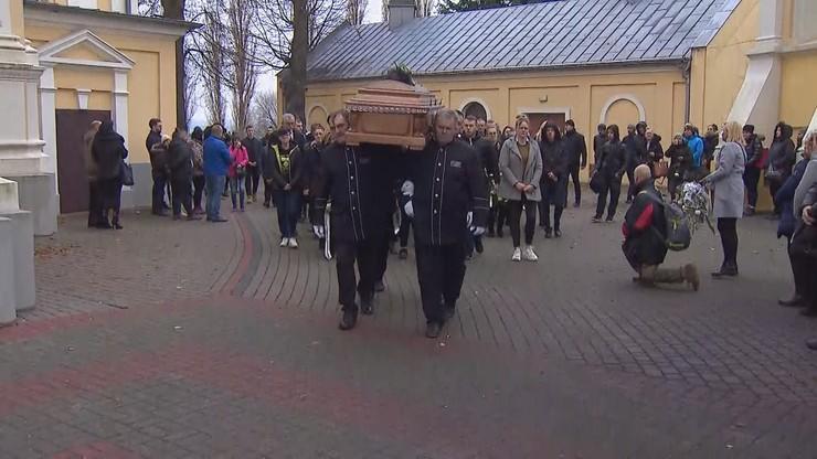 """Pogrzeb 21-latka z Konina. """"Dlaczego Adam? Przecież on był dobry jak chleb"""""""
