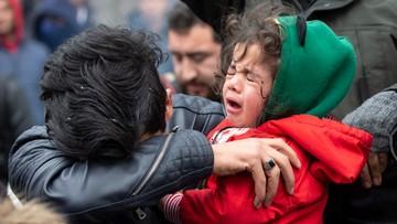 Starcia na granicy. Policja użyła gazu łzawiącego przeciwko migrantom