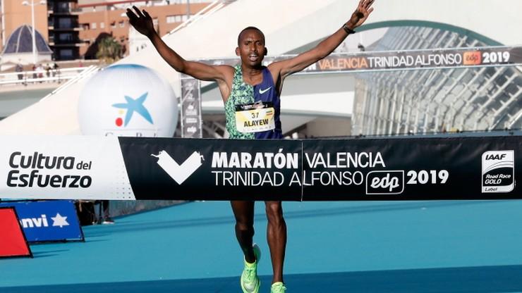 Maraton w Walencji: Rekord Europy Oezbilena, Shegumo blisko Tokio