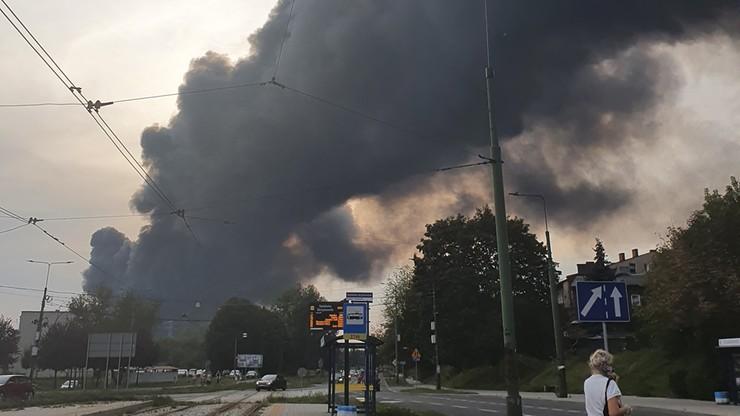 Sosnowiec: pożar na wysypisku odpadów. Płoną pojemniki z nieznaną substancją - Polsat News