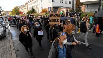 Polityk Porozumienia komentował protest kobiet. Gowin chce wykluczenia go z partii