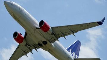 Samolot spóźniony o minutę. Prawie 160 pasażerów w kwarantannie