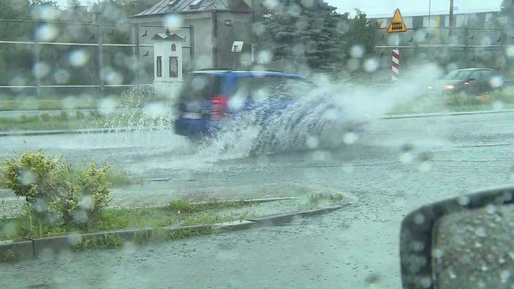 Wichury i burze z gradem znowu nadciągają nad Polskę. Alert dla ponad połowy województw