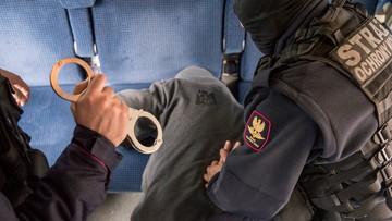 Atak nożownika w pociągu. Napastnik zabarykadował się w toalecie