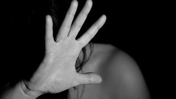 Złapał gwałciciela żony i chwycił za nóż