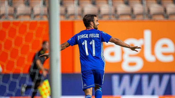 Jorge Felix: Jest wiele poważniejszych problemów niż futbol