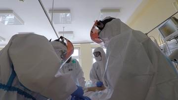Rekordowa liczba zakażeń koronawirusem. Nie żyje 25 osób