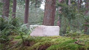 """Kobieta pochowana w """"żywej trumnie"""". Pierwszy taki pogrzeb"""