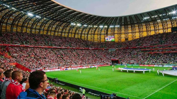 Powrót kibiców na stadiony piłkarskie i żużlowe potwierdzony rozporządzeniem