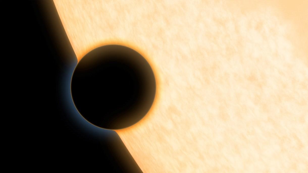 Tajemnicza, mroczna planeta pochłania aż 99% światła swojej macierzystej gwiazdy