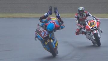 """Motocyklista uratował się przed groźnym upadkiem. """"Obrona stulecia?"""""""