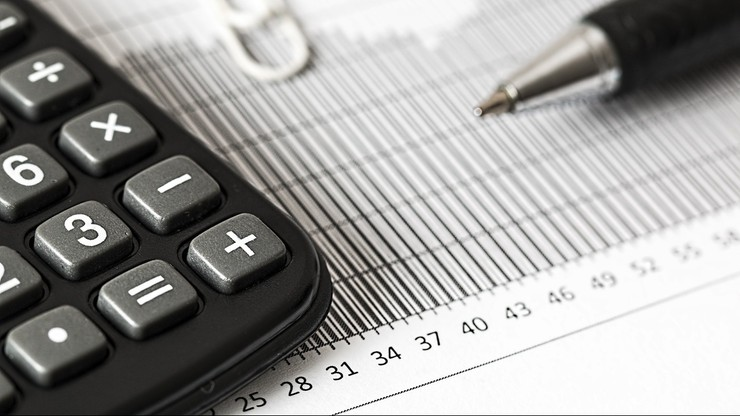 Spór o płacę minimalną w 2021 r.  Rząd nie rezygnuje z podwyżki do 2800 zł