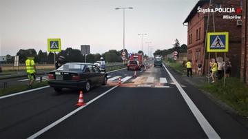 Wypadek w Śląskiem. Auto wjechało w matkę z trojgiem dzieci na pasach
