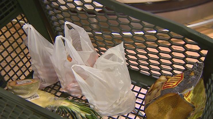 W Nowym Jorku chaos. Zakazano stosowania plastikowych torebek