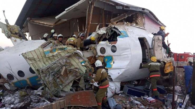 Katastrofa samolotu w Kazachstanie. Nowy bilans ofiar [WIDEO]
