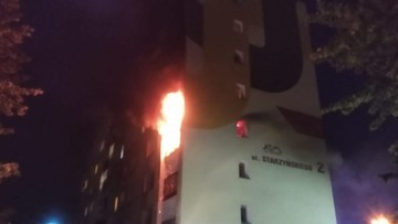 Pożar w wieżowcu w Koszalinie. Jedna osoba nie żyje, 200 ewakuowanych